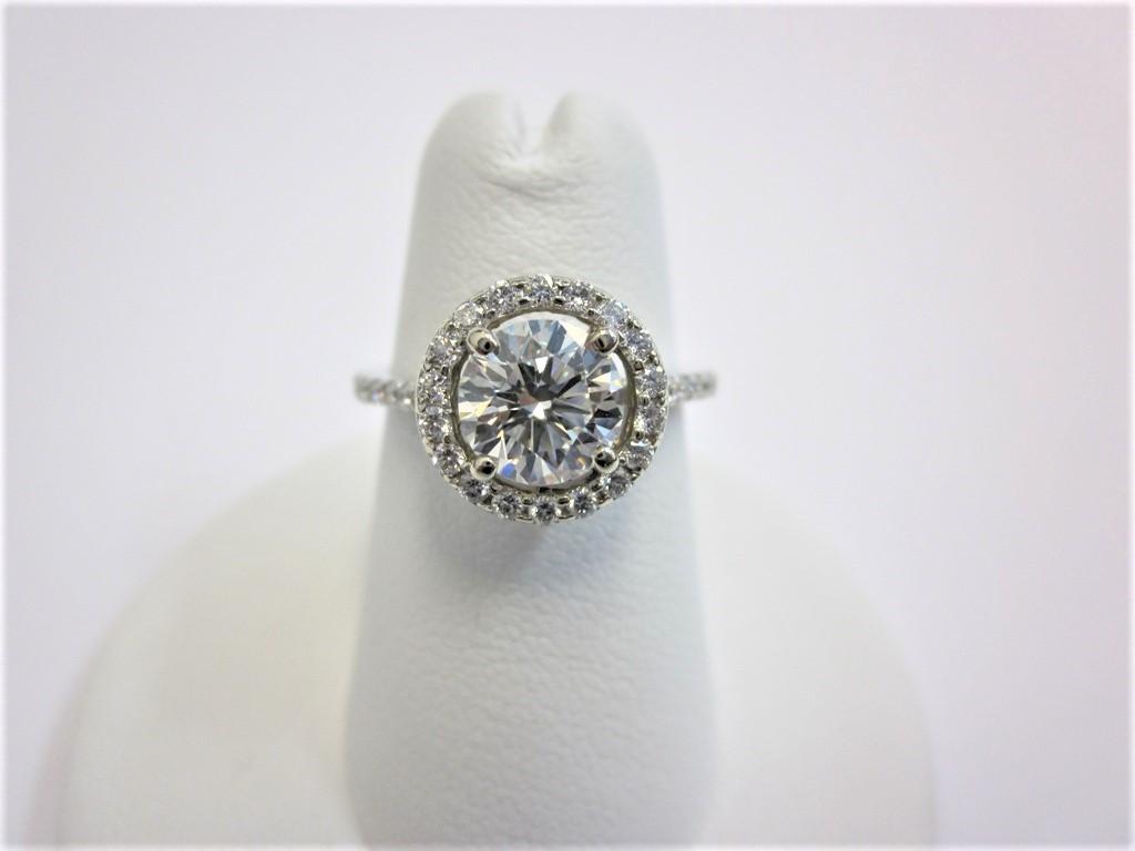 d4b1e93138 Round Brilliant Cut Halo Diamond Engagement Ring 1.04 carat I VVS1 ...